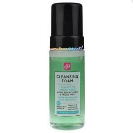 Apply the cleansing foam to a damp face and massage the foam upwards and with small circular movements. Rinse thoroughly with lukewarm water. Avoid the house around the eyes.