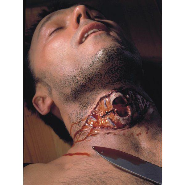 Kryolan Open halswonde met luchtpijp